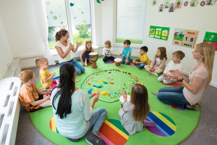 Bilinguale Kinderkrippen & Kindergärten   Joki Kinderbetreuung München