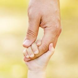Joki Kinderbetreuung bietet kostenfreien Elternvortrag zur Eltern-Kind-Bindung an